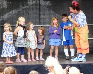 Natscha und ihr Kinderteam